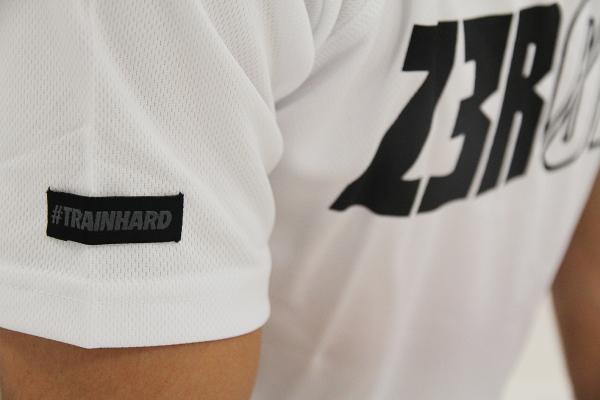 T-SHIRT TECHNIQUE ARMADA Z3R0D - Blanc